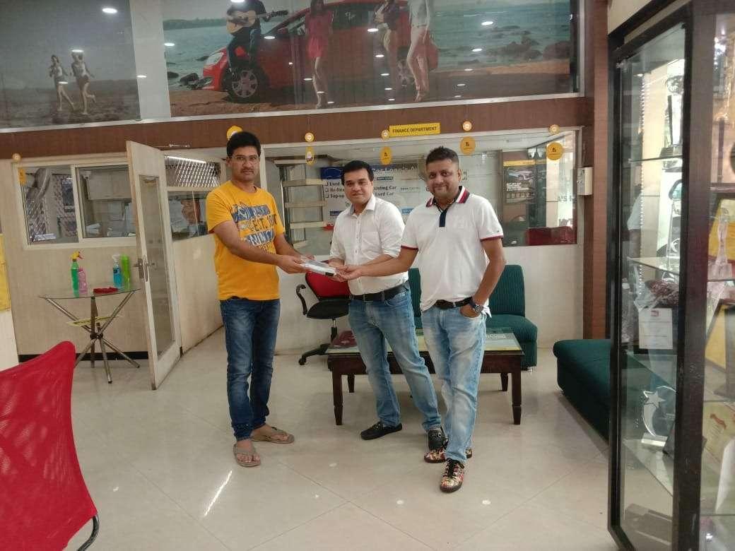 Mahindra First Choice Wheels Noida