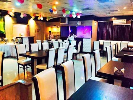 Paatra Restaurant Noida