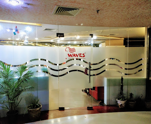 Waves Designer Unisex Salon in Noida